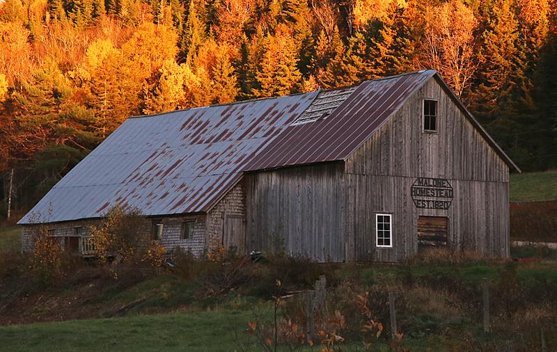 Century Barn Kings County New Brunswick Canada - Old Barns & Buildings