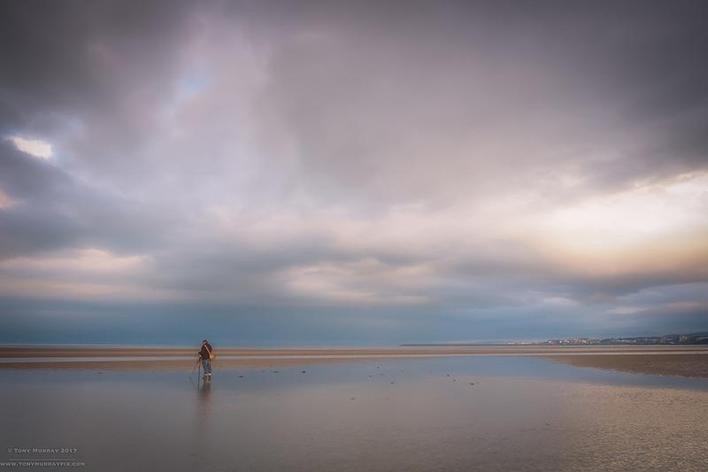 Chasing the light - Sandymount