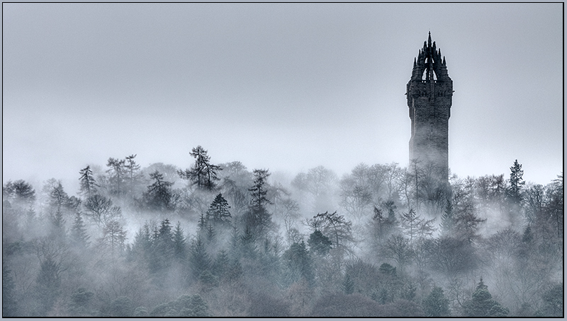 misty monument - Clackmannan & Stirlingshire
