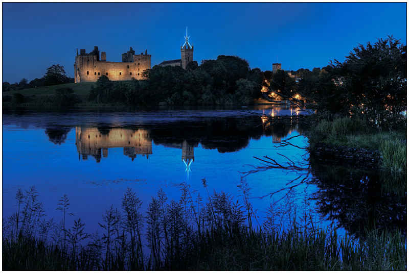 Twilight reflections, Linlithgow loch - Edinburgh & the lothians.