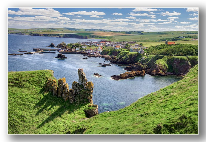 St Abbs harbour village 02 - Edinburgh & the lothians.