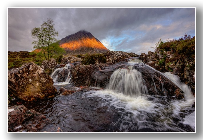 First light on Buachaille Etive Mor - Highlands & Islands