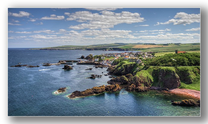 St Abbs harbour village 01 - Edinburgh & the lothians.