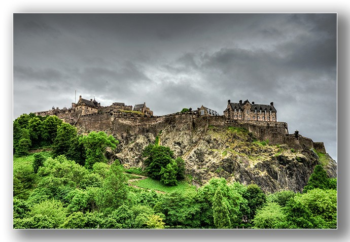 Edinburgh Castle - Edinburgh & the lothians.