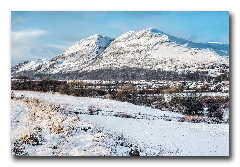 Menstrie  a winters View - Clackmannan & Stirlingshire