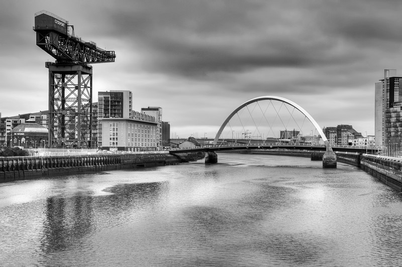 Finnieston crane & Clyde Arc (squinty bridge). - Glasgow & strathclyde