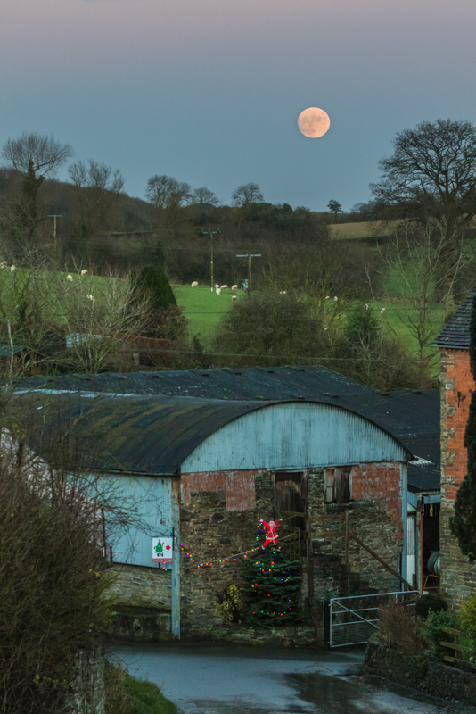 full moon over Edgton farm at Xmas - Moon