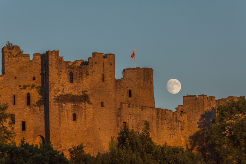 Moonrise over Ludlow Castle - Moon