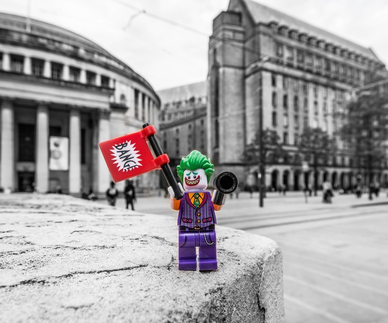 SAY HELLO TO MY LITTLE FRIEND - MANCHESTER MINI FIGURE ADVENTURES