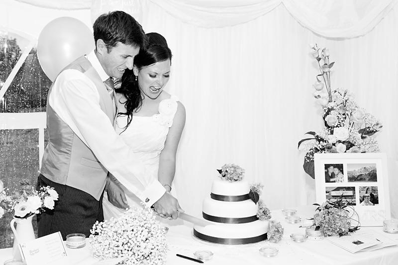 Wedding Cake Cutting | Lewes Sussex | Rachael Edwards Photography
