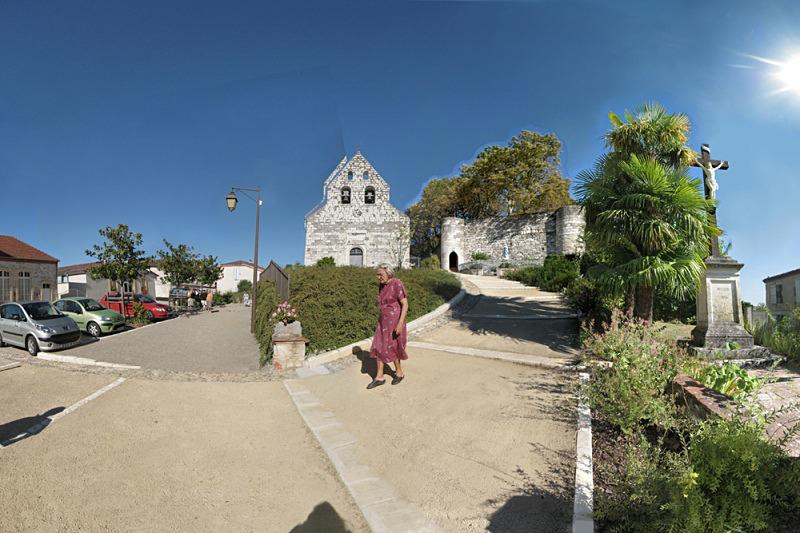 La Petanque et l'eglise, Clermont-Soubiran - Auvillar France
