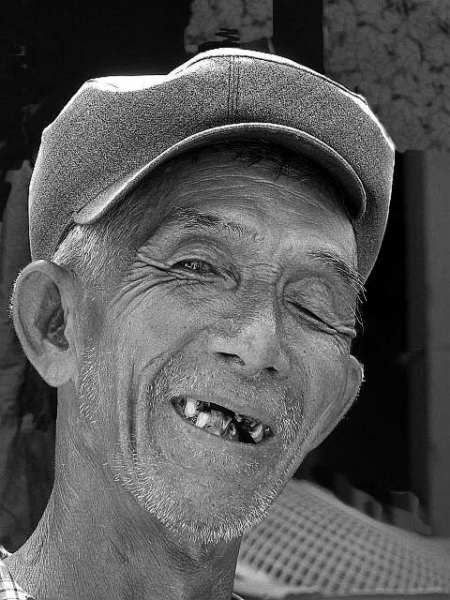 Old man, Hoi An - Cambodia and Vietnam