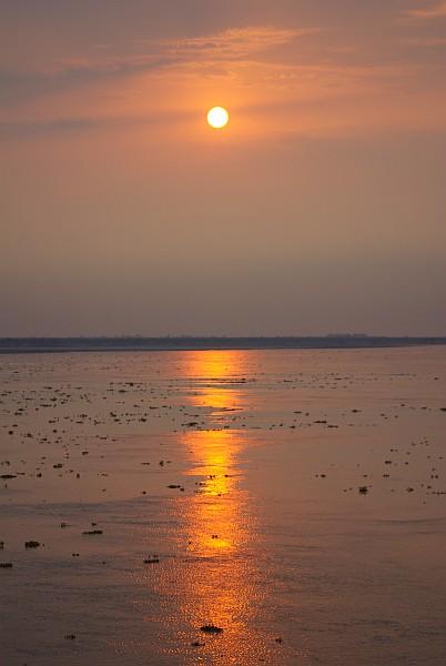 Brahmaputra sunset - India (Assam, Brahmaputra cruise, Agra and Jaipur)