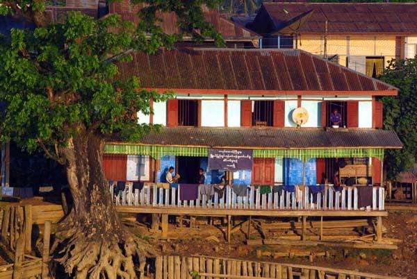 Irrawaddy house - Burma