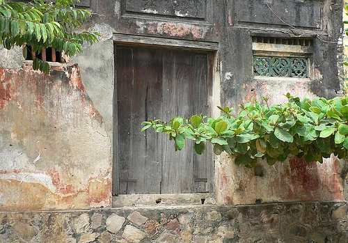 Old door and wall, Hoi An - Cambodia and Vietnam