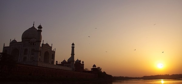 Taj Mahal at sunset - India (Assam, Brahmaputra cruise, Agra and Jaipur)