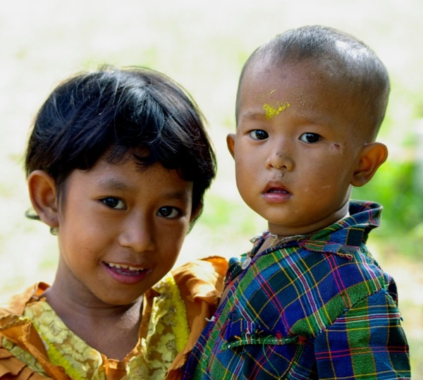 Girl and boy, Bagan - Burma