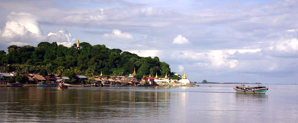 General Irrawaddy River scene - Burma