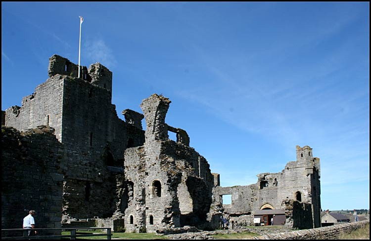 middleham castle 7 - Middleham Castle