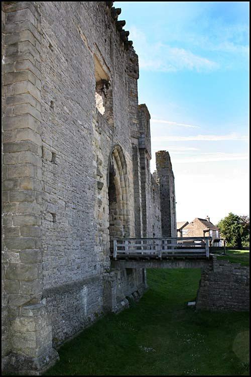 middleham castle 12 - Middleham Castle