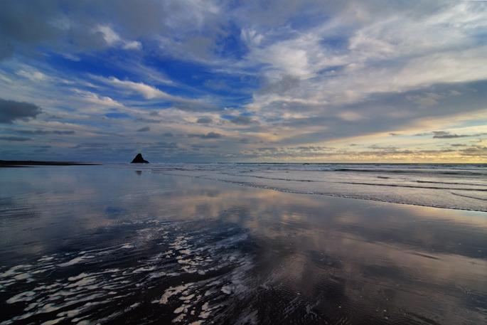 Karekare Beach - New Zealand