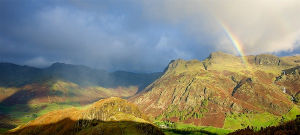 Sunshine and showers, Langdale Pikes EDC295 - Lake District