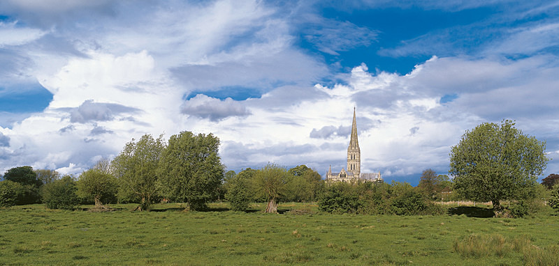April Showers, Salisbury Cathedral EDC075 - England