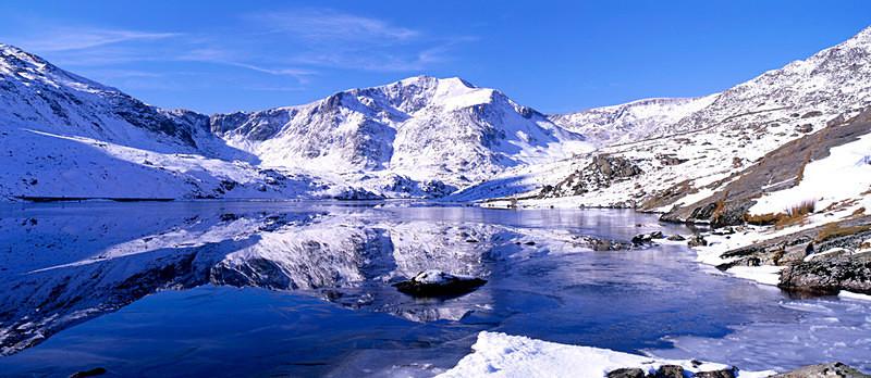 Icy Reflections, Llyn Ogwen and Y-Garn, Snowdonia EDC009 - Wales