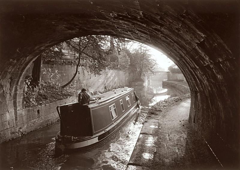 Kennet and Avon Canal, Narrow Boat, Bath EDC050 - Bath