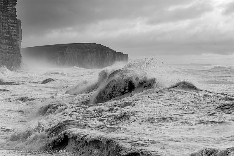 Big seas at East Cliff 2 - Dorset Photos