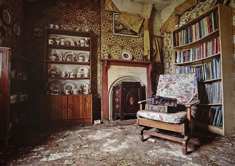 The Royal House - 'Abandoned Ireland'