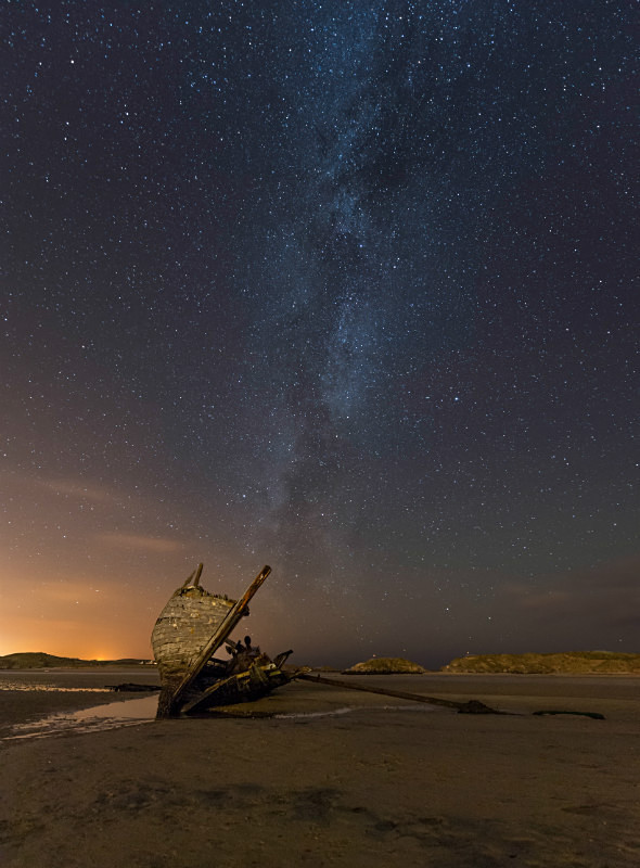 Milky Way Bunbeg Wreck - Donegal's Sky at Night