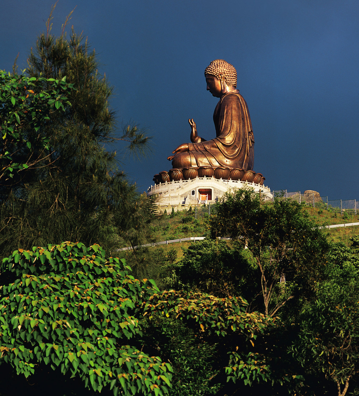KM-355 Po Lin Giant Buddha - Hong Kong - Contemporary