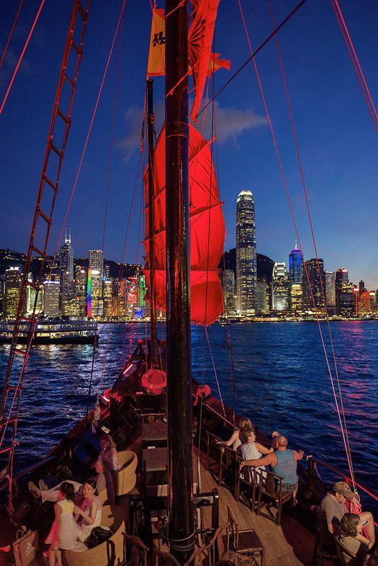 Central at night from the Aqua Luna junk - DSC_8148 - Hong Kong with the Aqua Luna Junk