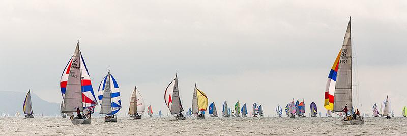 0813 Round the Island Race - Alum Bay and The Needles panoramics