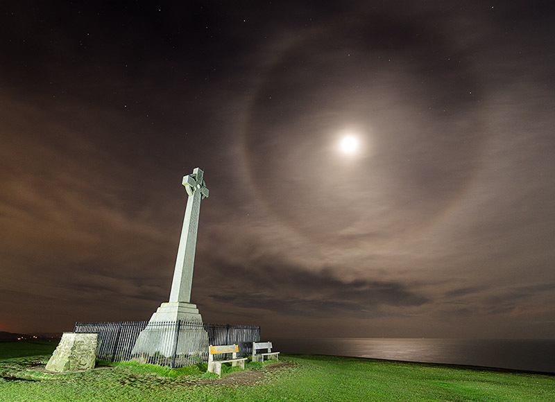 1504 Moon Halo Tennyson Monument - The Isle of Wight at Night landscapes