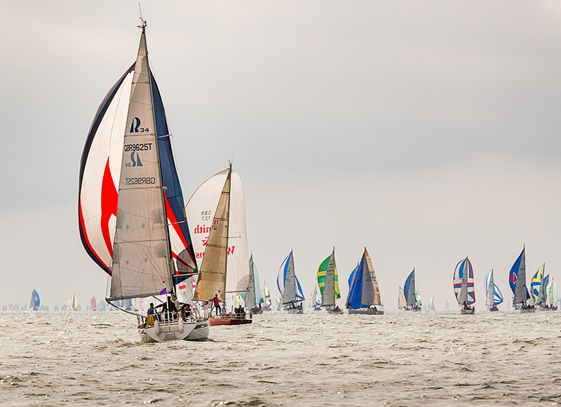 1671 Round the Island Race - Alum Bay and The Needles landscapes