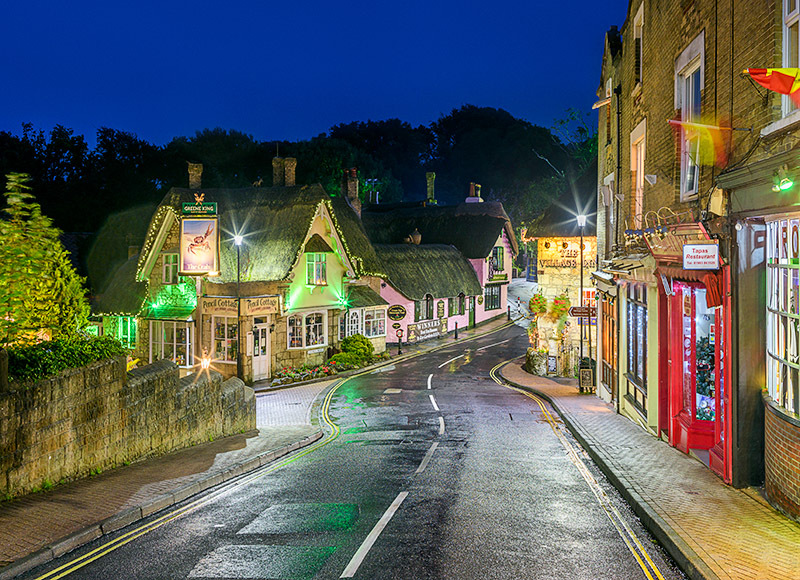1735 Shanklin Old Village - The Isle of Wight at Night landscapes