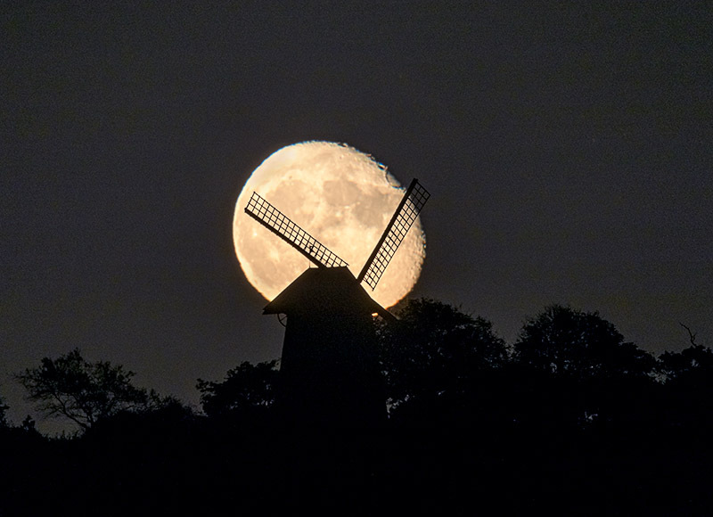 1758 Moonrise  Bembridge Windmill - The Isle of Wight at Night landscapes