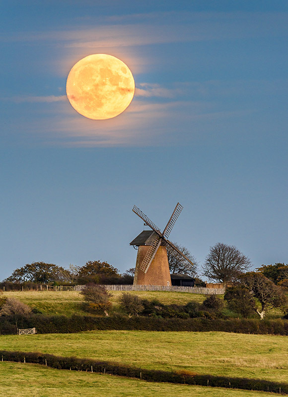 1974 Supermoon at Bembridge Windmill - Bembridge and East Wight landscape