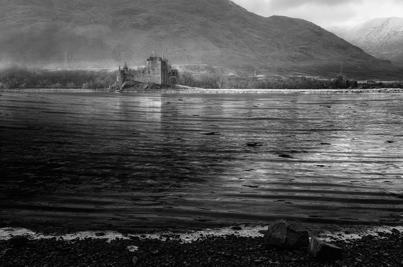 O the banks of the loch - Black and White