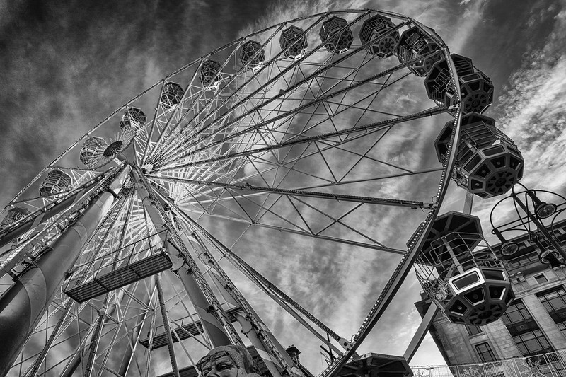 Ferris wheel (b&w) - Black and White