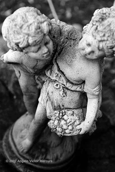 805 - Statuary Garden