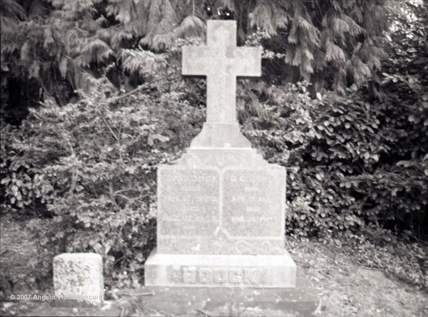 521 - Old Graveyards