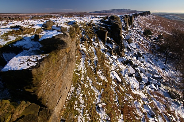 Stanage Edge, photographed by Roger Butterfield.