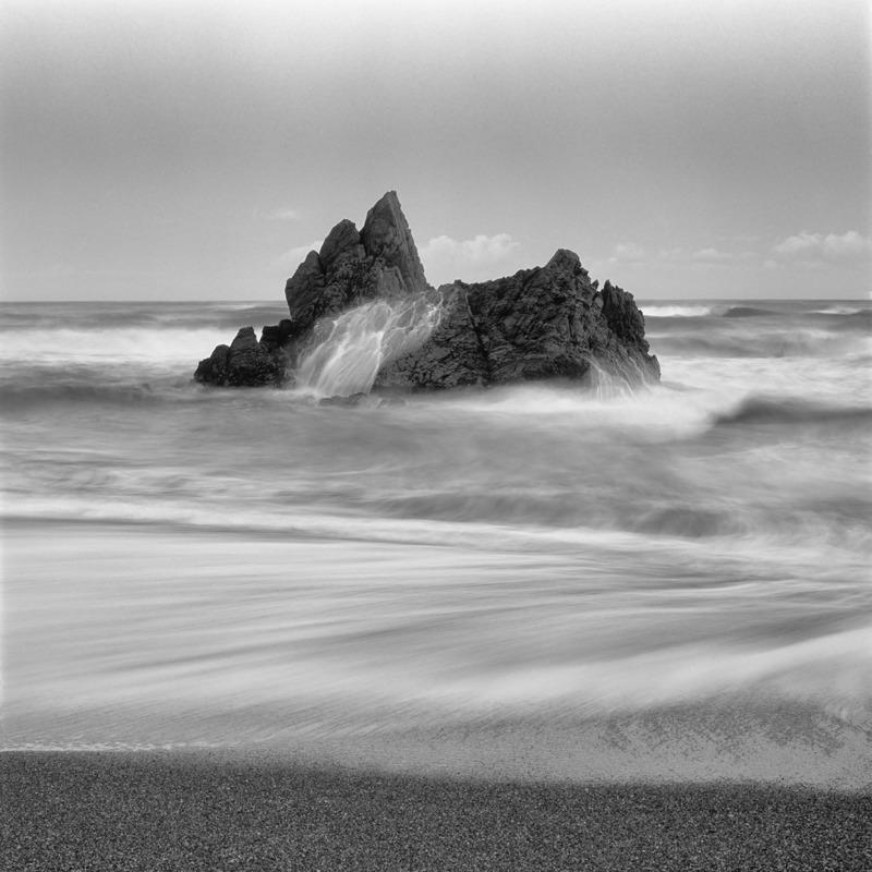 Punakaiki surf - Black and White