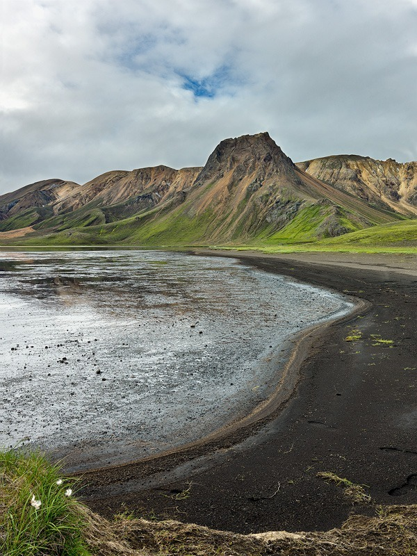 Beach lines - Iceland landscapes