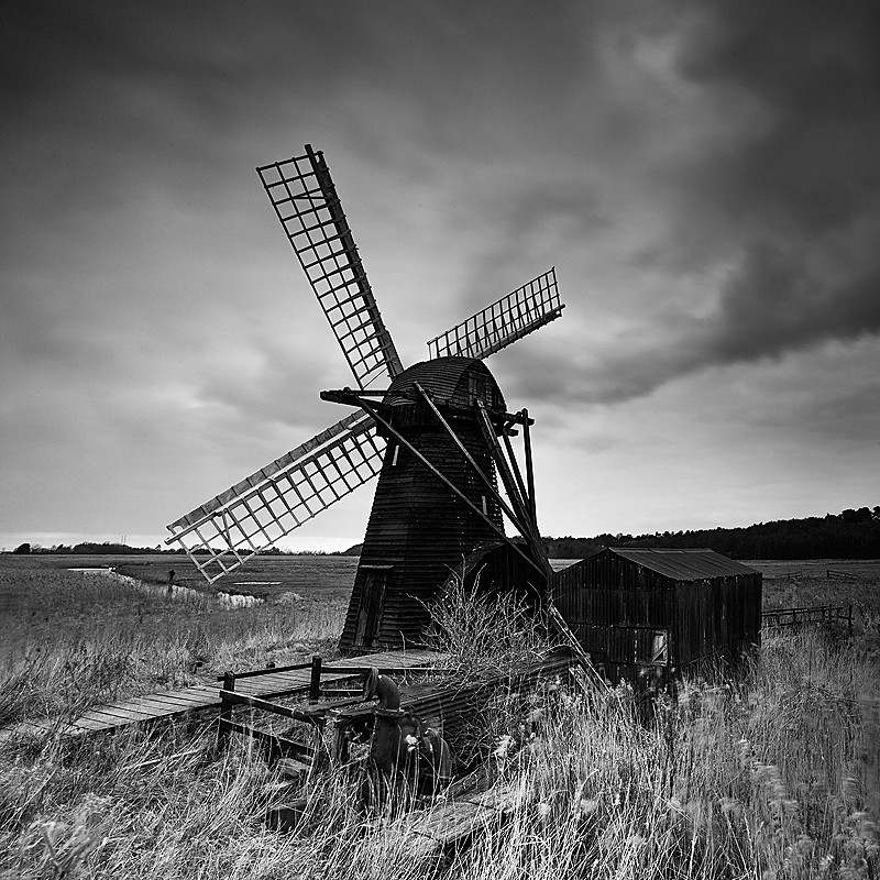 Suffolk - The UK landscape - monochrome