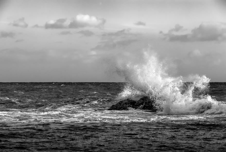 Crashing waves in black and white at Man O War Bay