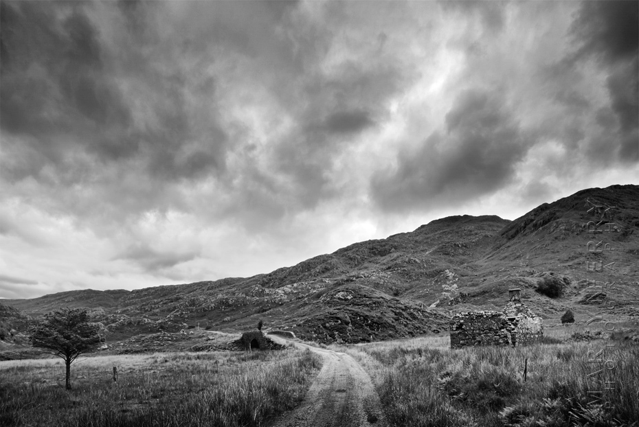 Dramatic photo of abandoned old farmhouse near Kinloch Hourn